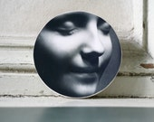 L'Inconnue de la Seine Original Mask Medium Round Wood Block