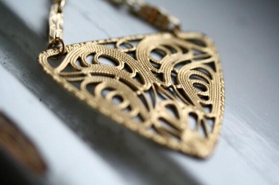 Art Nouveau Dalliance Necklace