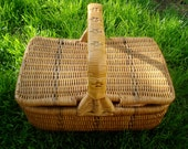 Old French picnic wicker basket