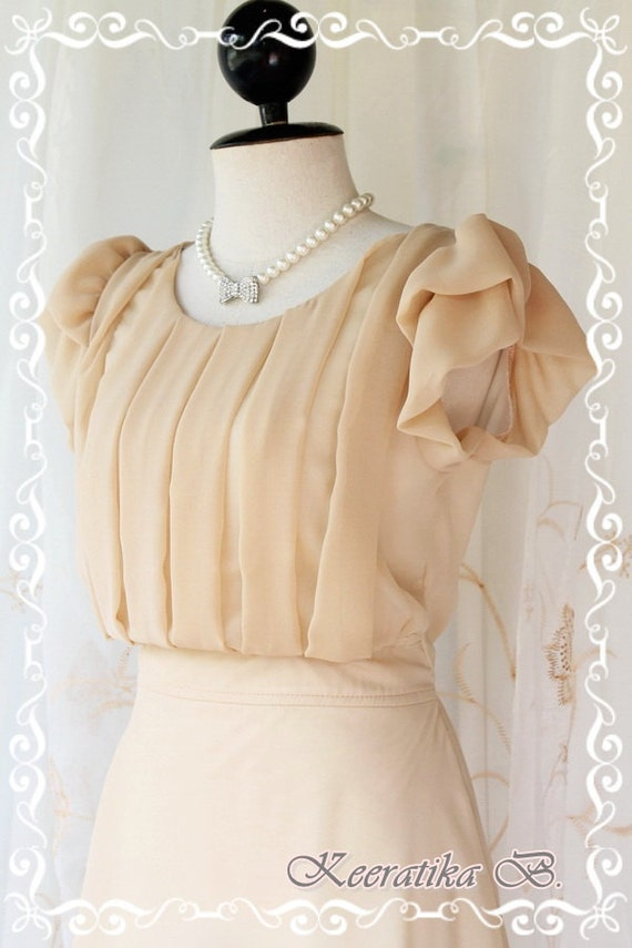 Beautiful Lady - Pastel Dress Beige Nude Pleated Puffed Sleeves Smart Gorgeous Lady Style Mod Celebrities Dress