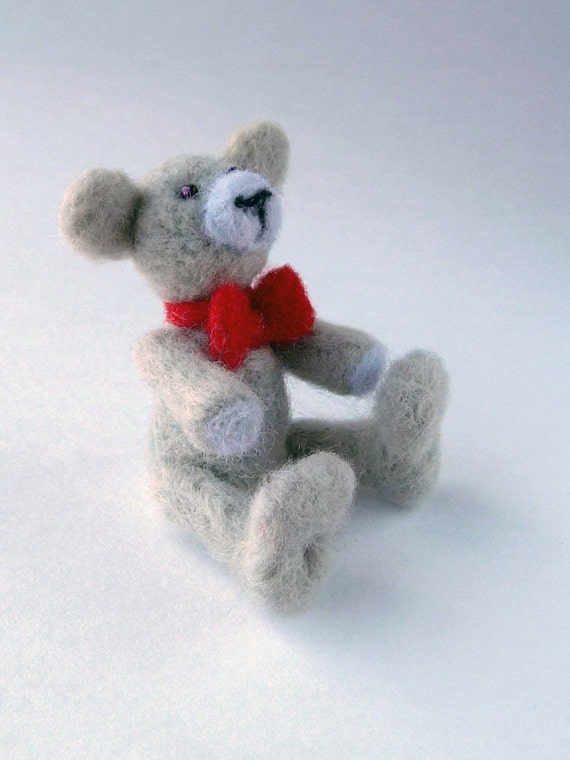 A bear with red bow tie - needlefelted sculpture