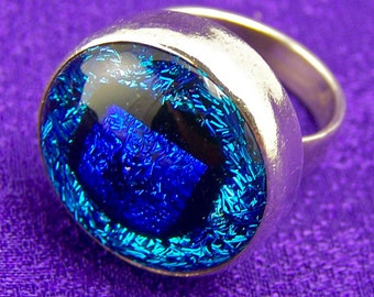 "Dichroic Sterling Ring - Turquoise Teal Blue Dot Cabochon Set in Fine Silver Bezel - 3/4"", Size 6"