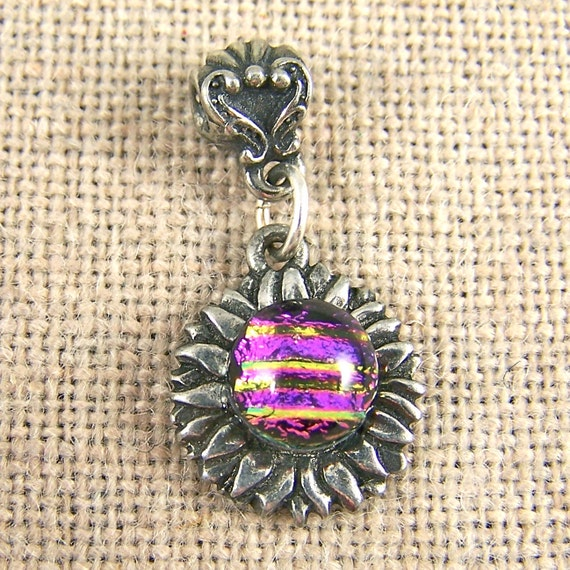 CLOSEOUT DiSCOUNT Flower Dichroic Pendant - Pink Magenta Fused Glass on Pewter