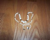 White and Gold tone Glass Bead Necklace, vintage