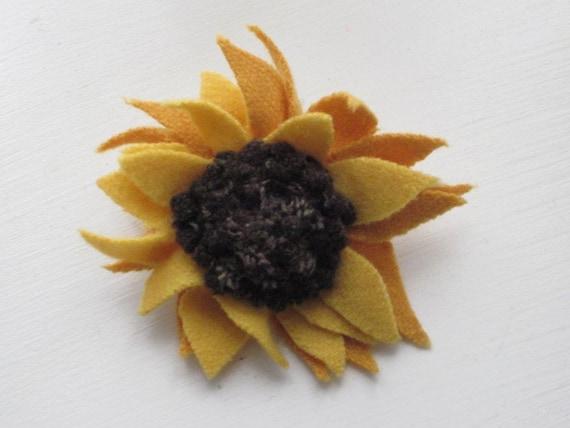 Wool Sunflower Pin - Brooch