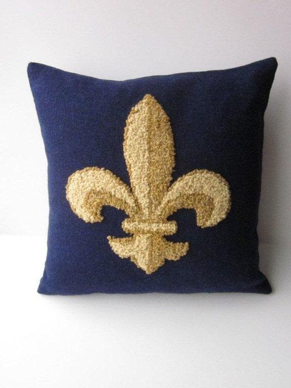 Fleur de Lis Hooked Rug Pillow