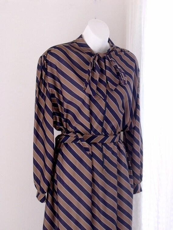 Vintage PLUS size 18-22 Secretary-Shift Dress