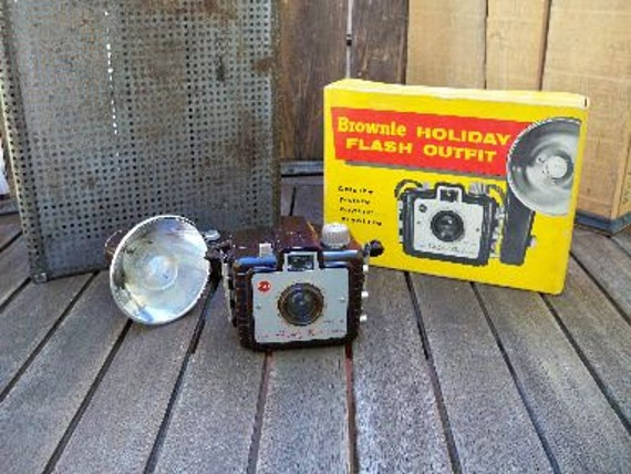 Vintage Brownie Holiday Flash Outfit Camera