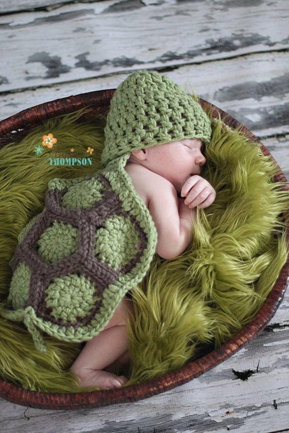 Baby Turtle Set--newborn Photo Prop-- crochet