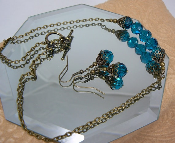 Beaded Glass Necklace - Blue Green of the Ocean