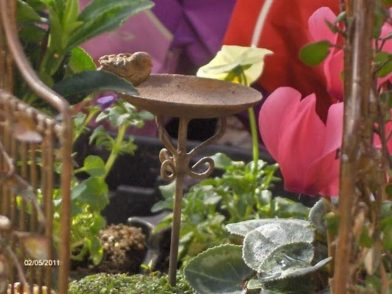 Miniature birdbath with tiny bird Miniature Fairy Garden Miniature Birdbath Miniature Accessories