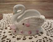 Mini vintage swan with pink roses