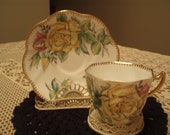 Vintage lovely and petite yellow and pink roses tea cup 'Rosina'