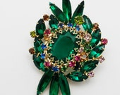 Vintage Brooch Emerald Green Large and Ornate