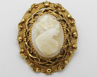 Vintage Cameo Brooch Florenza Carved Shell
