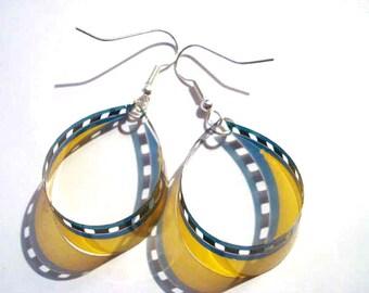 Unique earrings made of 35 mm movie Film / Boucles d'oreilles en pellicule 35 mm