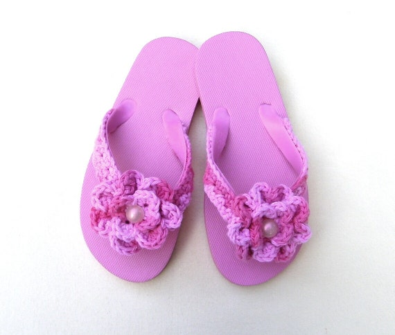 HALF PRICE SALE: Fancy flip flops for girls. Pink with fancy crocheted flowers and opalescent centers.