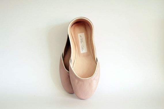 new. Soft leather ballet flats. Rosa antico.