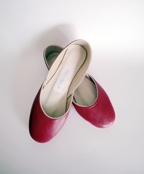new. Soft leather ballet flats. Rouge.