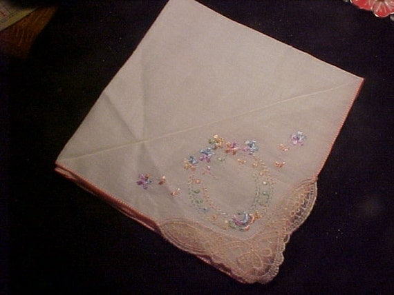 LOVELY Hankie with Embroidery VINTAGE