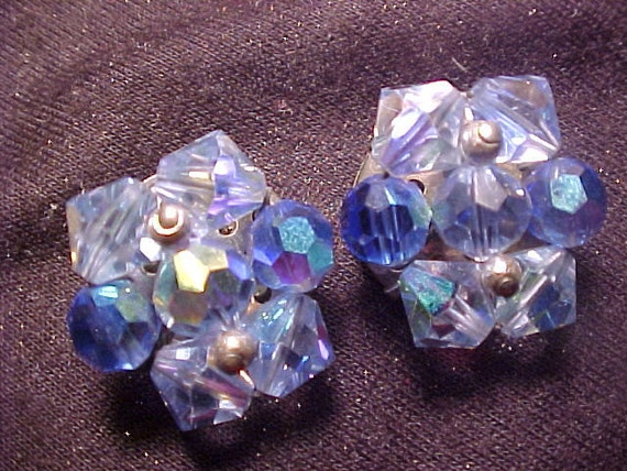 BEAUTIFUL Crystal Faceted Bead Clip Style Blue Aurora Borealis Earrings VINTAGE