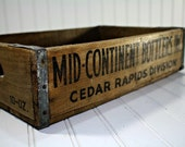 Vintage Pop Crate  /  Vintage Mid Continent Bottlers Crate