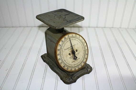 Vintage Kitchen Scale / Vintage Scale