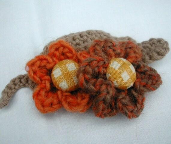 Crocheted Leaf & Two Flowers Brooch