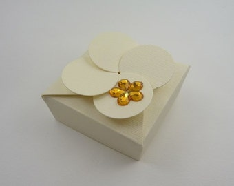 Petal Top Wedding Favor Boxes In lots of Colors- Ideal for weddings, table decoration, parties.