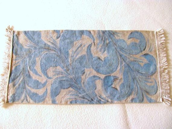 Vintage linen table runner (blue)
