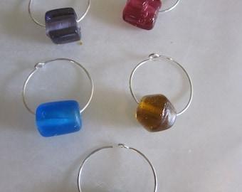 GLASS STONE Wine Charm Set