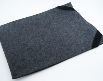 "Macbook Air 11"" or 13"" Sleeve - 100% Merino wool - Charcoal - Portrait - with Swiss Velvet Elastics"