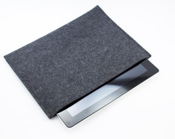 iPad, Playbook or Xoom Sleeve - 100% Merino wool - Charcoal - Landscape