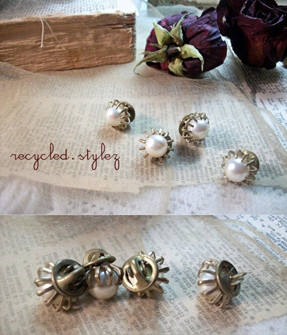 4 vintage mid-century PEARL cabochon gold setting MINI pin brooches