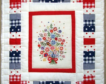 wall hanging 'grandmothers embroidery'