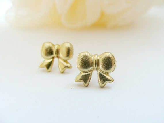 Tiny Bow Earrings - Bow Cartilage Earring - Bow Stud Earring - Cute Cartilage Earring - Tiny Stud Earring - Multiple piercing