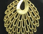 Pin - Gold Tone - Collector Item - Designer Quality