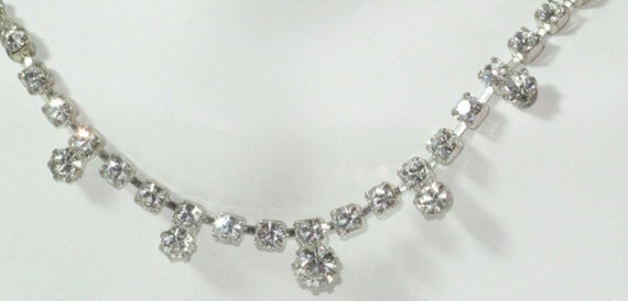 Dainty Size Variety of Rhinestones Bib Style Necklace with Sparkling Single Drops