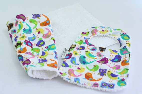 Baby Bib Burp Cloth Set In A Birds and Owls Print