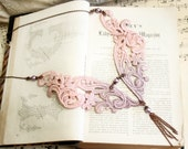 lace necklace -PALOMA- (ombre gray mauve)