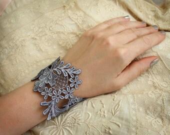 lace bracelet cuff -NONI- silver gray
