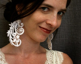 lace earrings -GRETCHEN- vintage white