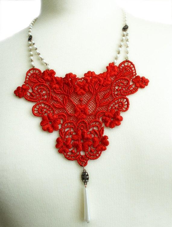 lace necklace -CHRISTINA- lipstick red