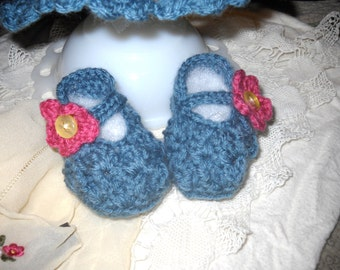 Adorable Infant Baby Girl Shell Design Flower Accent Booties Crib Shoes Baby Shower Gift