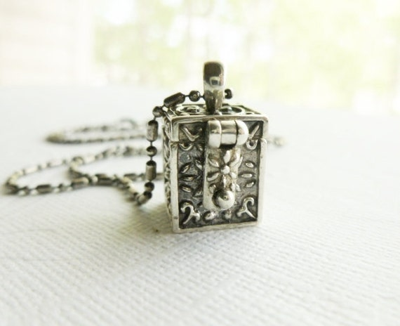 Vintage Prayer Box Locket - Sterling Silver