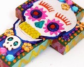 Mexican tin Sugar Skull on wooden cross II // Perfect gift for a loved one  // Day of the Dead // Unusual wall art home decor // ETSYXO