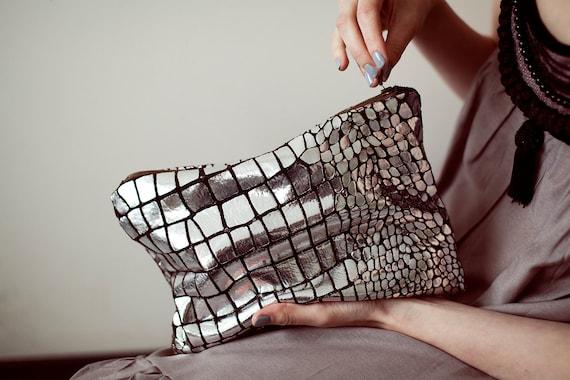 Safari Silver Foil Leather Pouch No. ZPL-1001