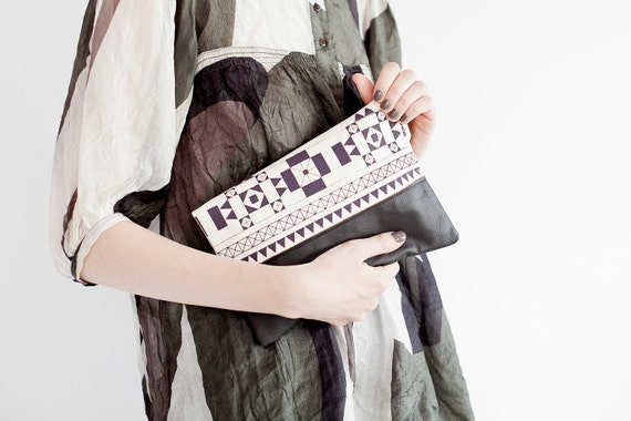 Geometric Printed Leather Pouch plum No. ZP-401