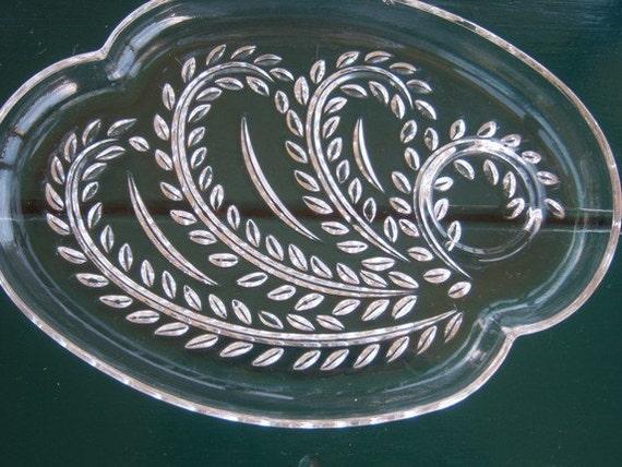 Set of 4 Federal Glass Company Depression Hospitality Snack Plates