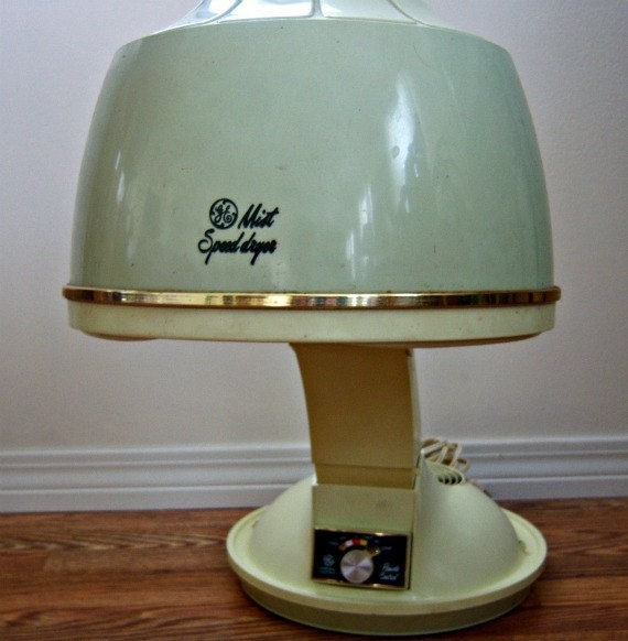 Vintage 1960's General Electric Mist Speed Hair Dryer